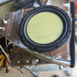 Subwoofer enclosure from fiberglass and MDF with Fase Lineair / Mac Audio Aliante 10' sub