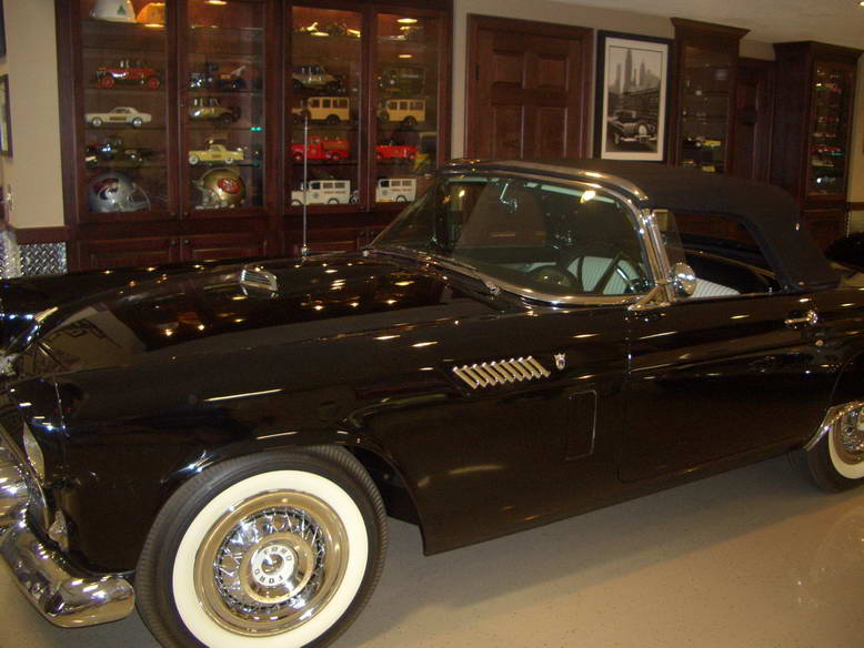 Classic T-Bird & nice built-ins at Cars & Cafe in Chanhassen